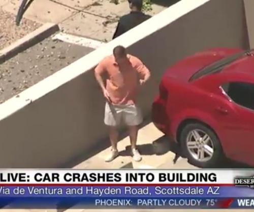 Arizona-mans-dad-dance-for-news-chopper-goes-viral.jpg