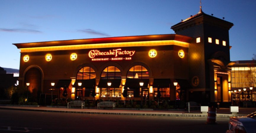 fake-cheesecake-factory-sign-865x452.jpg