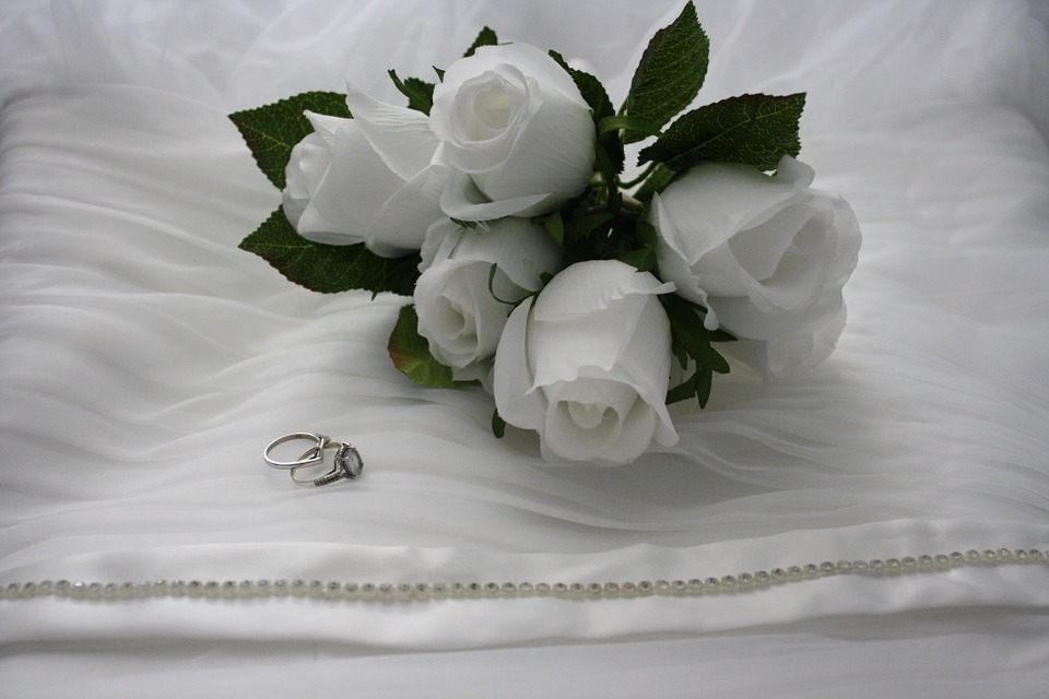 wedding bouquet rings.jpg
